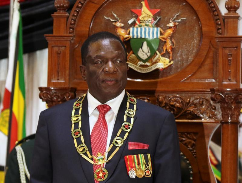 Mnangagwa join hands with white farmers