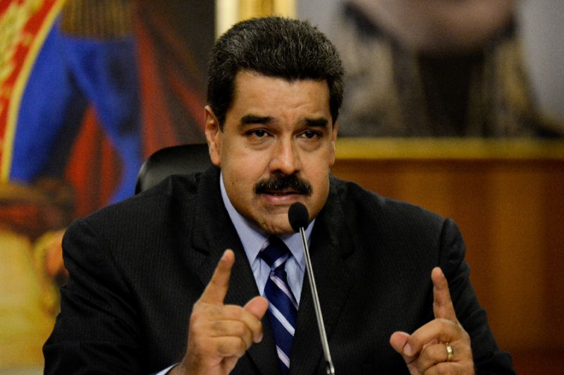 Maduro expels US envoy amid new sanctions